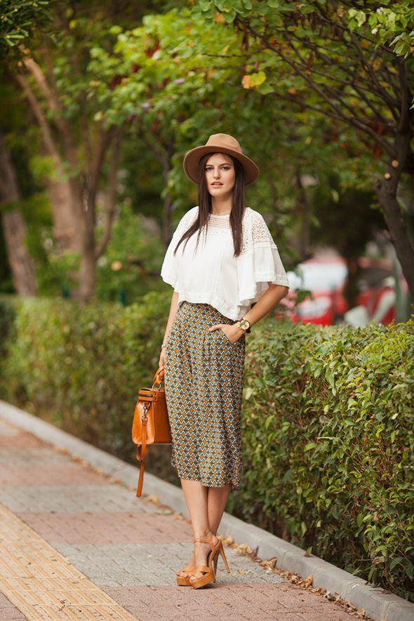 レトロ柄のスカーチョにはキャメルが似合う。アラフォー(40代)女性におすすめのスカーチョの着こなし♪