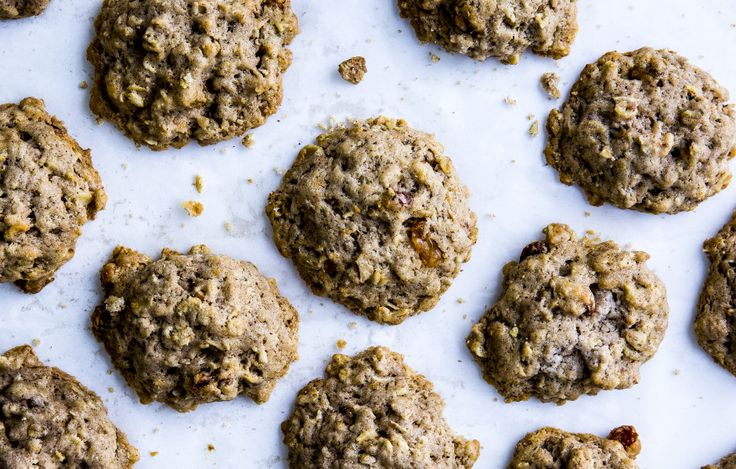 Raisin Lard Cookies. This the recipe you are looking for. Don't be afraid of the Lard! LOL