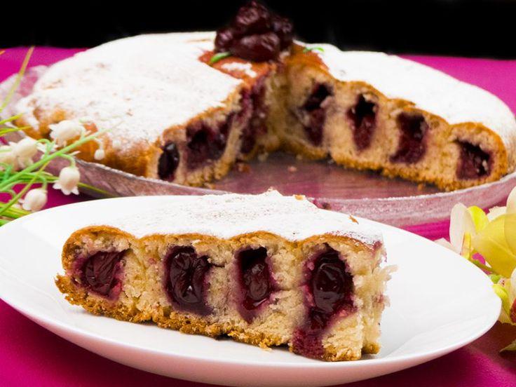 Șarlotă cu vișine – un desert plin de delicatețe și savoare!