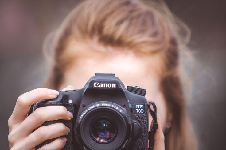Canon or Nikon? Vždyť ono je to jedno! Já fotím na #nikon ona na #canon . Ona raději jemné fotky, já raději ostré. Já jsem muž a ona žena. www.LysonekPhoto.cz #zlínskýkraj #uherskéhradiště #jsmetumy #tojevicnezjeden #fotimespolu #chcešfotky #budeš #je #mít ! #lysonekphoto #běž #na www.LysonekPhoto.cz #čahoj 👌✌️👨🏻💻💭