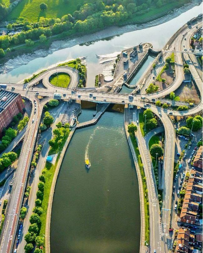 10 beautiful photos of Bristol taken from a hot air balloon | Features | Bristol 24/7 The flyover at Hotwells.
