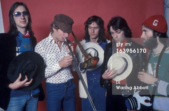NEW YORK - MARCH 25: Rock group Genesis at photo shoot in New York City photo studio of photographer Waring Abbott, on March 25, 1976. Members are Bill Bruford, Steve Hackett, Phil Collins, Mike Rutherford, and Tony Banks. (Photo by Waring Abbott/Getty Images) 1976