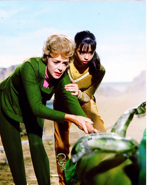 Maureen Robinson    Penny Robinson    Lost in Space    Lost in Space TV    Science Fiction    June Lockhart    Angela Cartwright