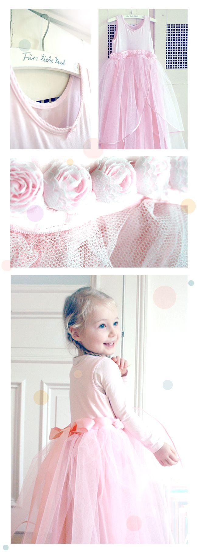DORNRÖSCHENMONTAG!  DIY princess dress: http://www.feinswiebchen.blogspot.de/2014/03/dornroschenmontag.html