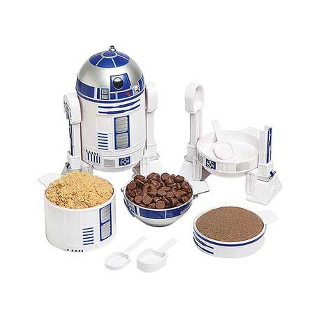 R2D2 Measuring Cup Set at What on Earth | CQ2712