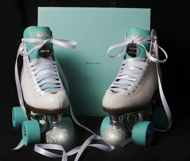 Patins customizados nas cores da Tiffany