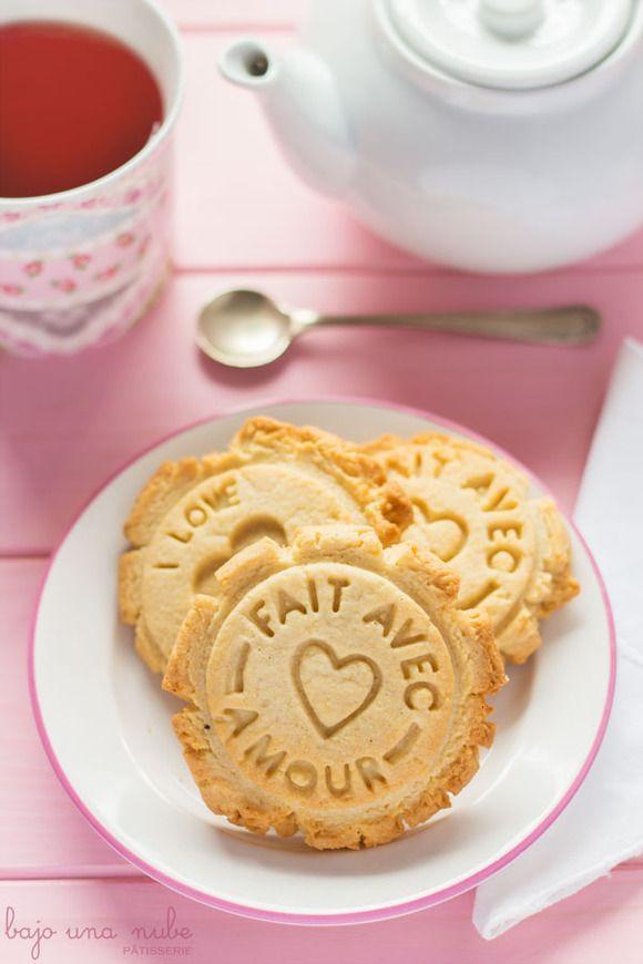 Galletas de mantequilla y almendras para hacer con niños. Recetas para hacer con niños. Cocinar con niños. CharHadas.com