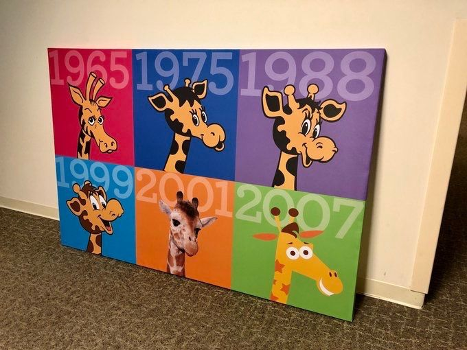 Geoffrey The Giraffe Through The Years Rip Toys R Us Retro Toys Kids Rugs Holiday World