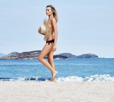 Instamag- #MargotRobbie goes #topless on #beach