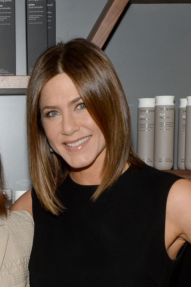 A Guide for Blondes Going Back to Their Natural Color: If Jennifer Aniston can do it, so can you.  Via Elle