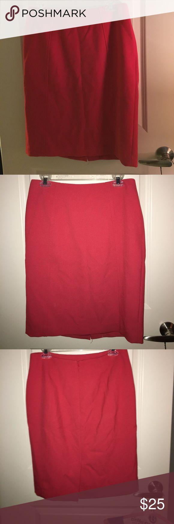 Halogen Coral Pencil Skirt Halogen Coral Pencil Skirt. Seaming detail for a flattering look. Back Zip. Back Vent. Halogen Skirts Pencil