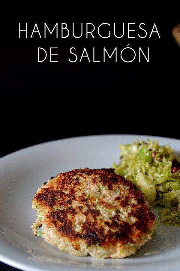 Estas hamburguesas de salmón es una manera sana rápida y deliciosa de preparar este pescado