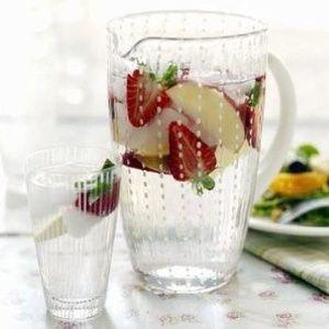 Osvěžující jahodový drink
