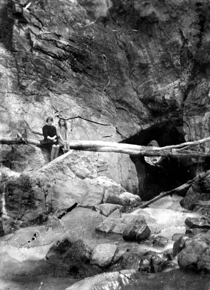 Museum Victoria: Blowhole 1929