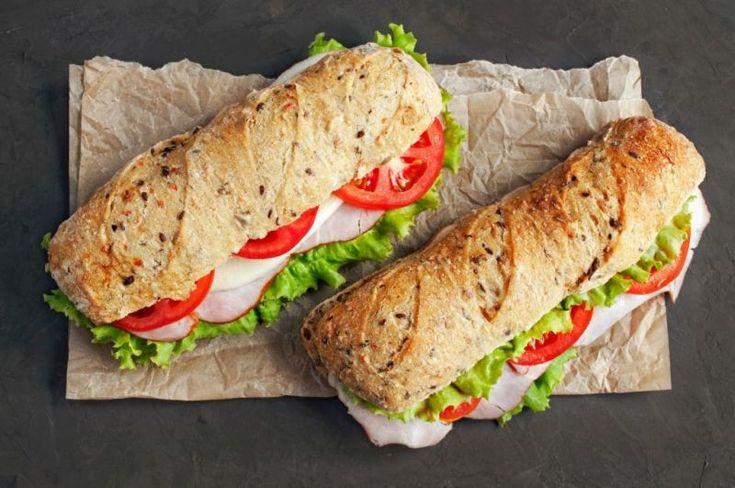 Επιστροφή στα θρανία και τι καλύτερο από σπιτικά σάντουιτς, με αγαπημένα τυριά, για ένα υγιεινό, θρεπτικό κολατσιό;