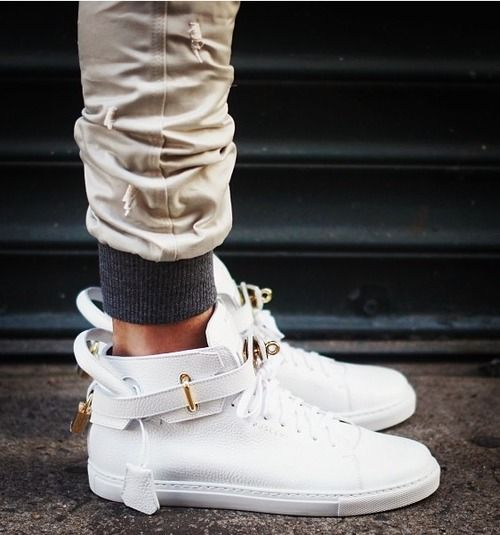 Jon Buscemi - white padlock sneaker. www.stylehunter.com