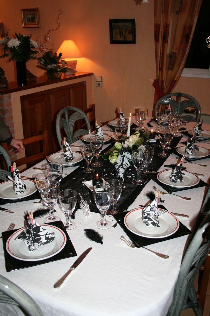 17 best images about jolies tables pour mes amis on pinterest bracelets saints and tables. Black Bedroom Furniture Sets. Home Design Ideas