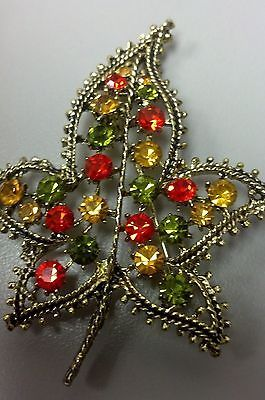Vintage-Rhinestone-Autumn-Leaf-Brooch-Pin-EXCELLENT-gold-Fall