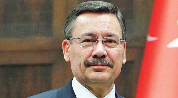 Ankara Mayor Makes Bigoted Remarks Against Armenians, Kurds - ANKARA—Ankara Mayor Melih Gökçek made provocative remarks concerning Kurds, Armenians and atheists on his Twitter page on Tuesday, reports Today's Zaman.