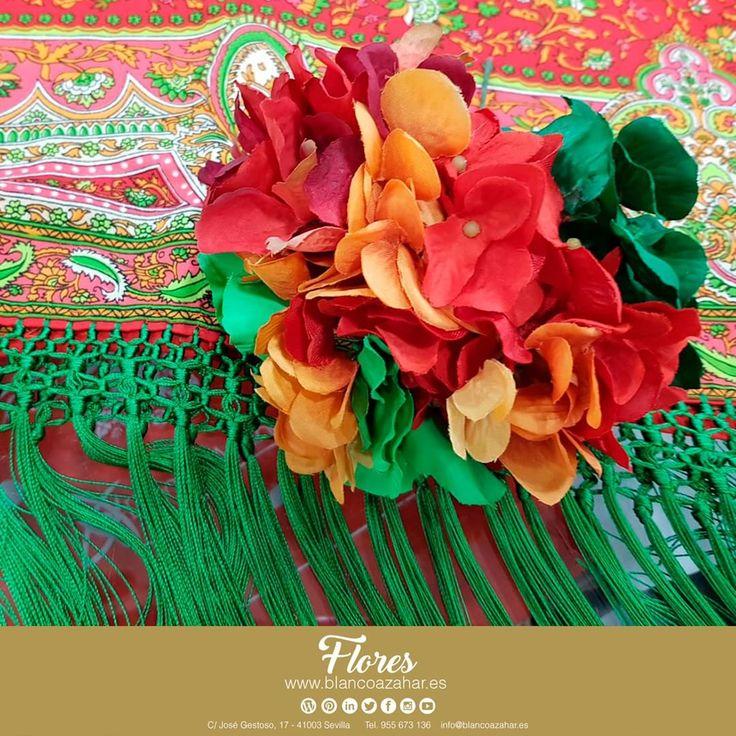 😍💐La #Primavera te espera en #BlancoAzahar.   Nuevas #flores #colores #composiciones ¡Te están esperando!    #Sevilla #Flores #FeriaDeAbril #ModaFlamenca #FloresDeFlamenca #Verde #Rojo #Naranja #Moda #Flamenca