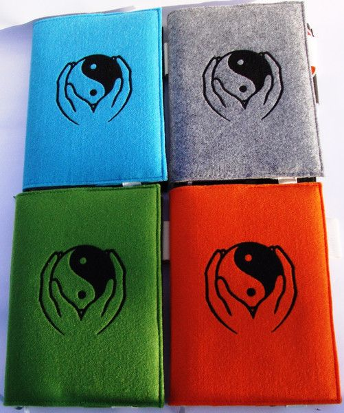 Weiteres - Kalenderhülle A5, Filz 3mm, Yin Yang Hand bestickt - ein Designerstück von MODEATELIER-HILDEGARD bei DaWanda