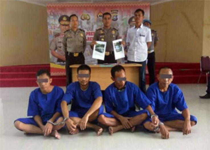 Pekanbaru, oketimes.com - Tim unit reskrim Polsek Tenayan Raya, Polresta Pekanbaru berhasil mengungkap aksi kawanan sindikat pencurian dengan kekerasan (curas) kendaraan bermotor. Kawanan ini merupaka ...
