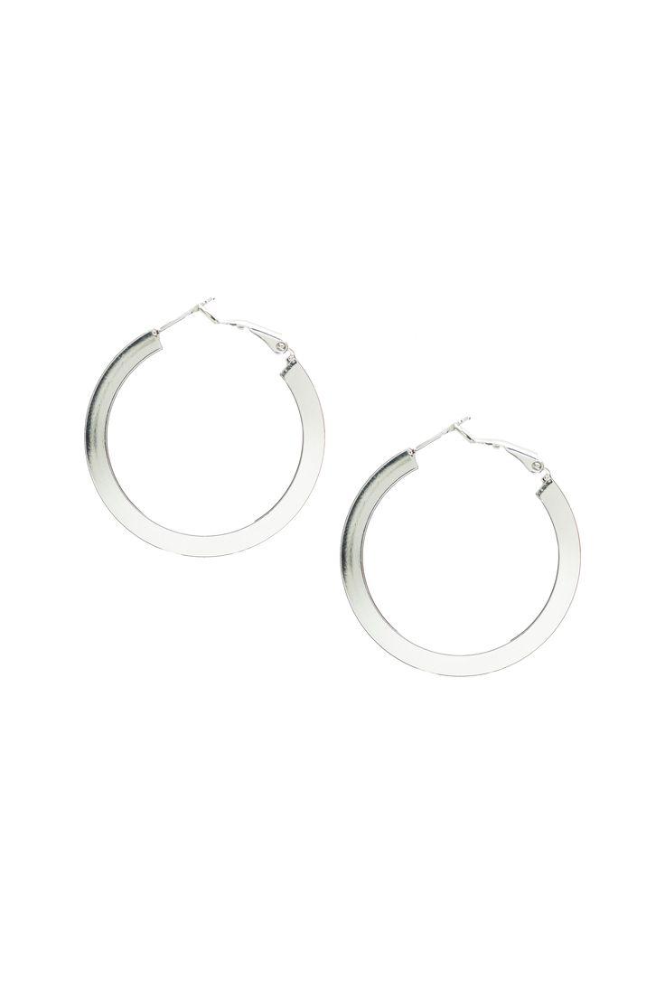 Anneaux métalliques / Metallic hoops https://www.tristanstyle.com/en/femmes/accessoires/anneaux-metalliques/19/fa040g0797z/