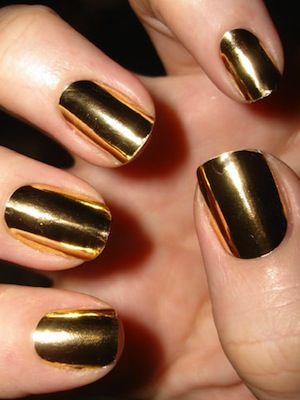gold mirror manicure