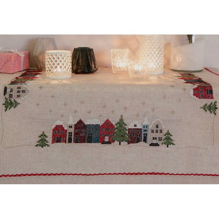 Rico-Design Stickpackung Weihnachtstischdecke Häuser, Kreuzstich vorgezeichnet, Sticken und Stricken - alles zum Sticken im Kreuzstich sowie Wolle zum Häkeln und Stricken, 32,95 €