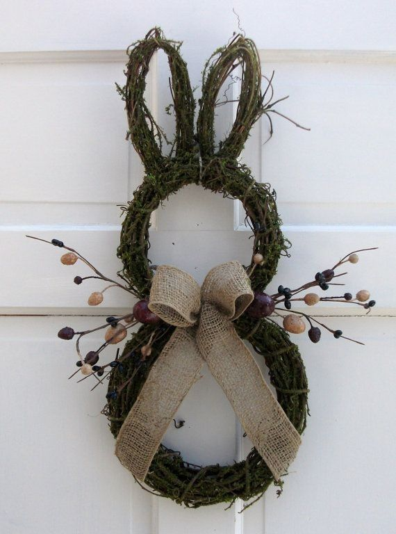 Primitive Country Easter Bunny Door Wreath, Rustic Easter craft ideas, DIY Easter craft ideas http://iliketodecorate.com << Image credit and more instructions in that link.