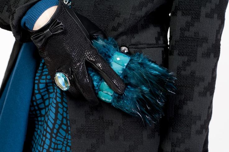 Clutch - Town Shoes; Ring - Suzy Shier; Tunic - Jacob;  Gloves - ALDO Accessories jacket - Melanie Lyne