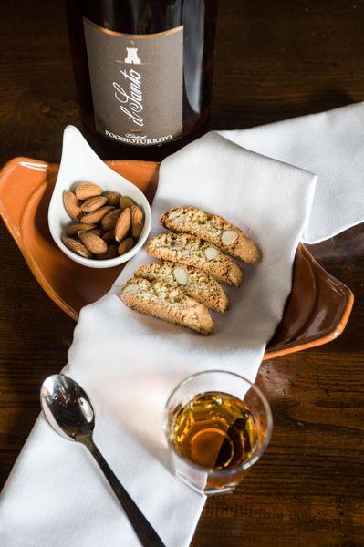 Cantuccini e Vinsanto www.hotelcisterna #dessert #ristorante #sangimignano #tuscany #food