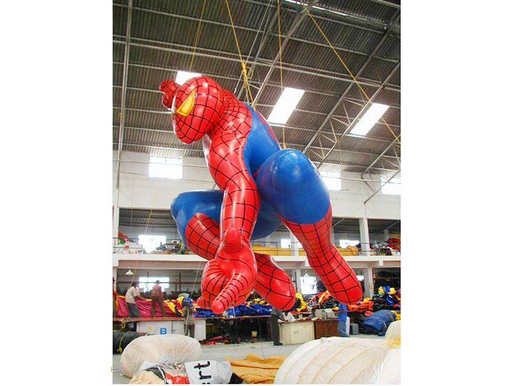 Réplica inflable gigante de Spiderman