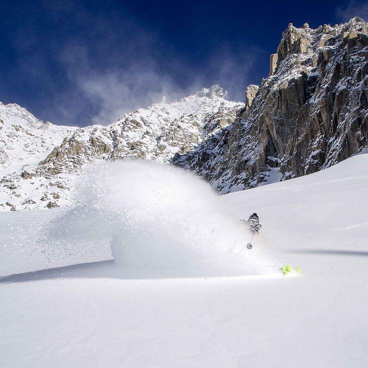Pow blasting! It doesn't get any better  Bruno Compagnet! #levelgloves  #powderweloveit #skigloves    laylakerley