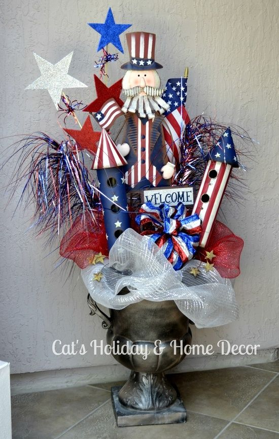 Cute and easy 4th of July Decoration. Minus the mesh