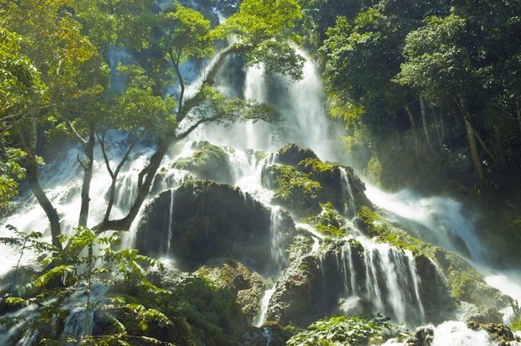 Amazing! Waterfalls in Sumba Island http://www.01islands.org/sumba-indonesia-amazing-waterfall/ via @Omri Ben-Canaan #waterfalls #sumba #indonesia