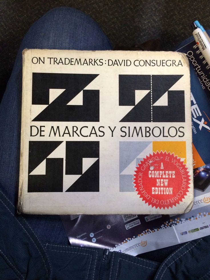 'De Marcas y Símbolos', el libro que regresa a nuestras manos después de 10 años de haberlo prestado. Vamos a saborearlo y les iremos compartiendo su contenido.