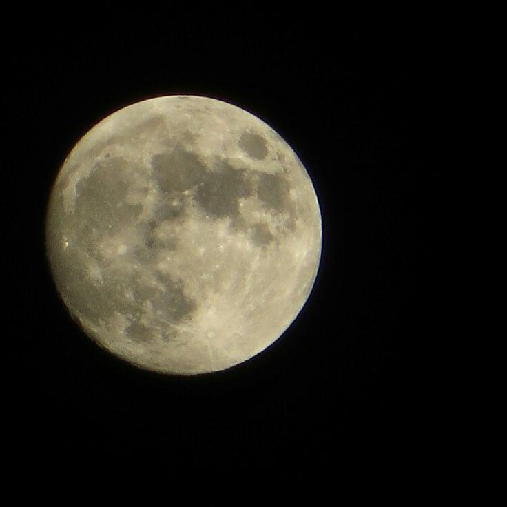 La luna, la luna... Ci porterà fortuna...