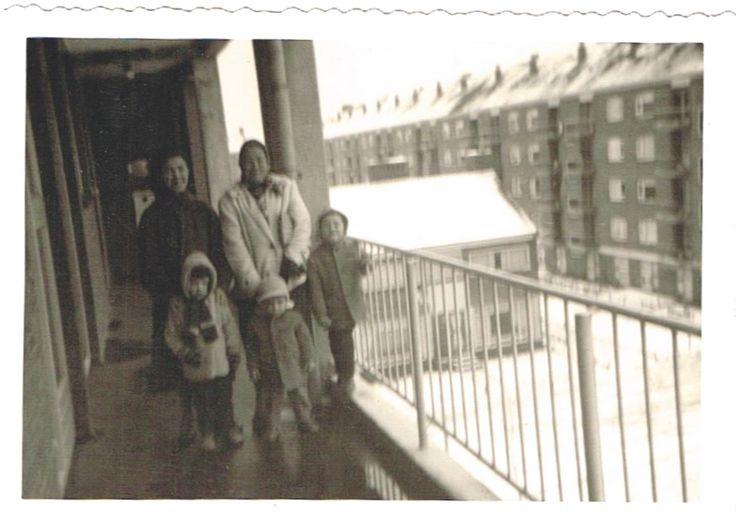 1 Utrecht/Hoograven 3 jaar in Nederland op bezoek bij oma Peters