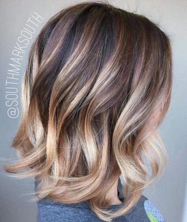 Kahverengi Sarı Lob Saç Stili