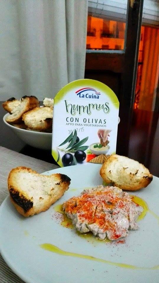 Nuestro rico #hummusconolivas de #LaCuina para unas cenas saludables y sabrosas. #Lacuinatecuida #Gourmet #dietasana
