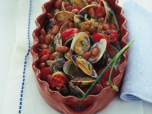 Zuppa di vongole al pomodoro : Scopri come preparare questa deliziosa ricetta. Facile, gustosa e adatta ad ogni occasione. Questo secondo ha un tempo di preparazione di 50 minuti.