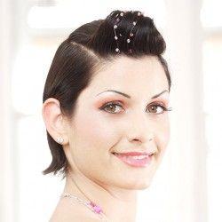 Entdeckt in unserer großen Brautfrisur Bildergalerie eine tolle Auswahl an Brautfrisuren. Lasst euch von den schönen Frisuren inspirieren!