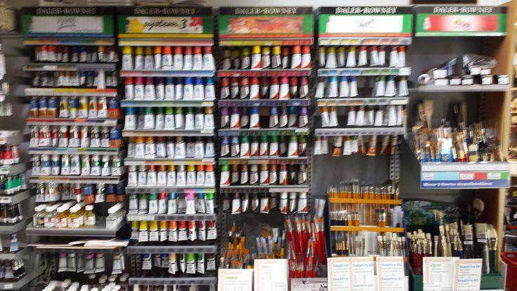 Itäisenkadun Kehystämö myy taiteilijatarvikkeita ja kehystää tauluja. Itäisenkadun Kehystämössä saat myös vedostettua valokuvasta canvas-taulun.
