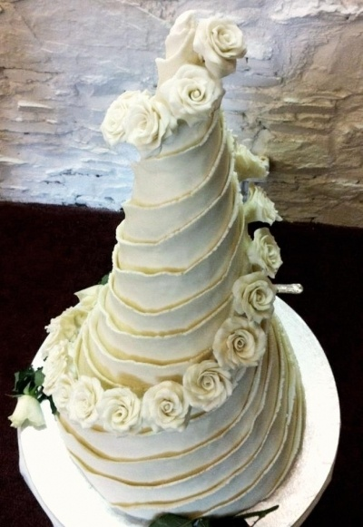 Well I made my own Wedding cake! By Crazy-Gray on CakeCentral.com