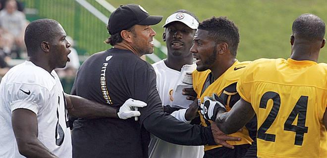 Steelers WR Antonio Brown, left, has had some heated exchanges at practice.    But I still <3 him.