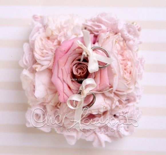 Portafedi floreale romanticamente shabby chic