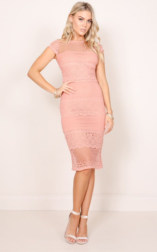 Featuring an all over crochet lace, this dress will have you looking flirty yet sophisticated. Suitable for the races, garden party and dinner with your girlfriends, pair this stunning dress with strappy heels and your favourite clutch.