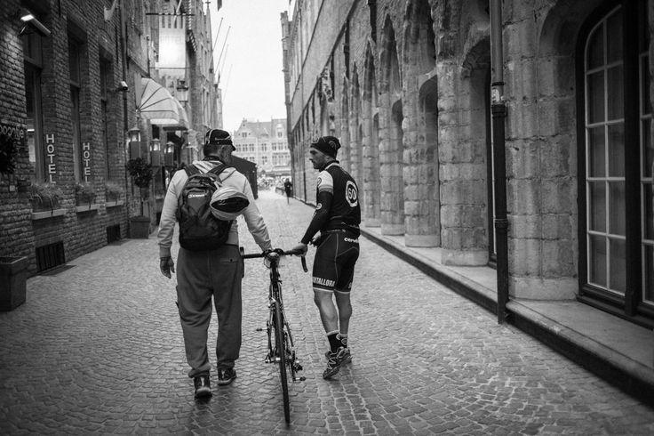Sometimes all you need is a good friend! #teammate #rondevandervlaanderen2014 #roadbike #love #cycling