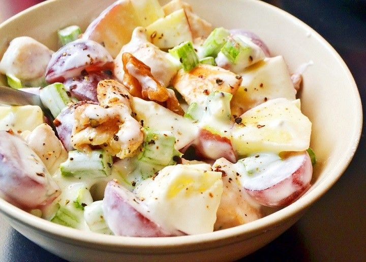 Waldorf saláta recept csirkével fotókkal lépésről lépésre - MindenegybenBlog